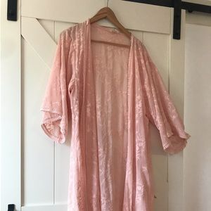 Open tunic with lace